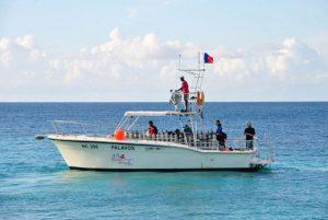 dive boat palavos